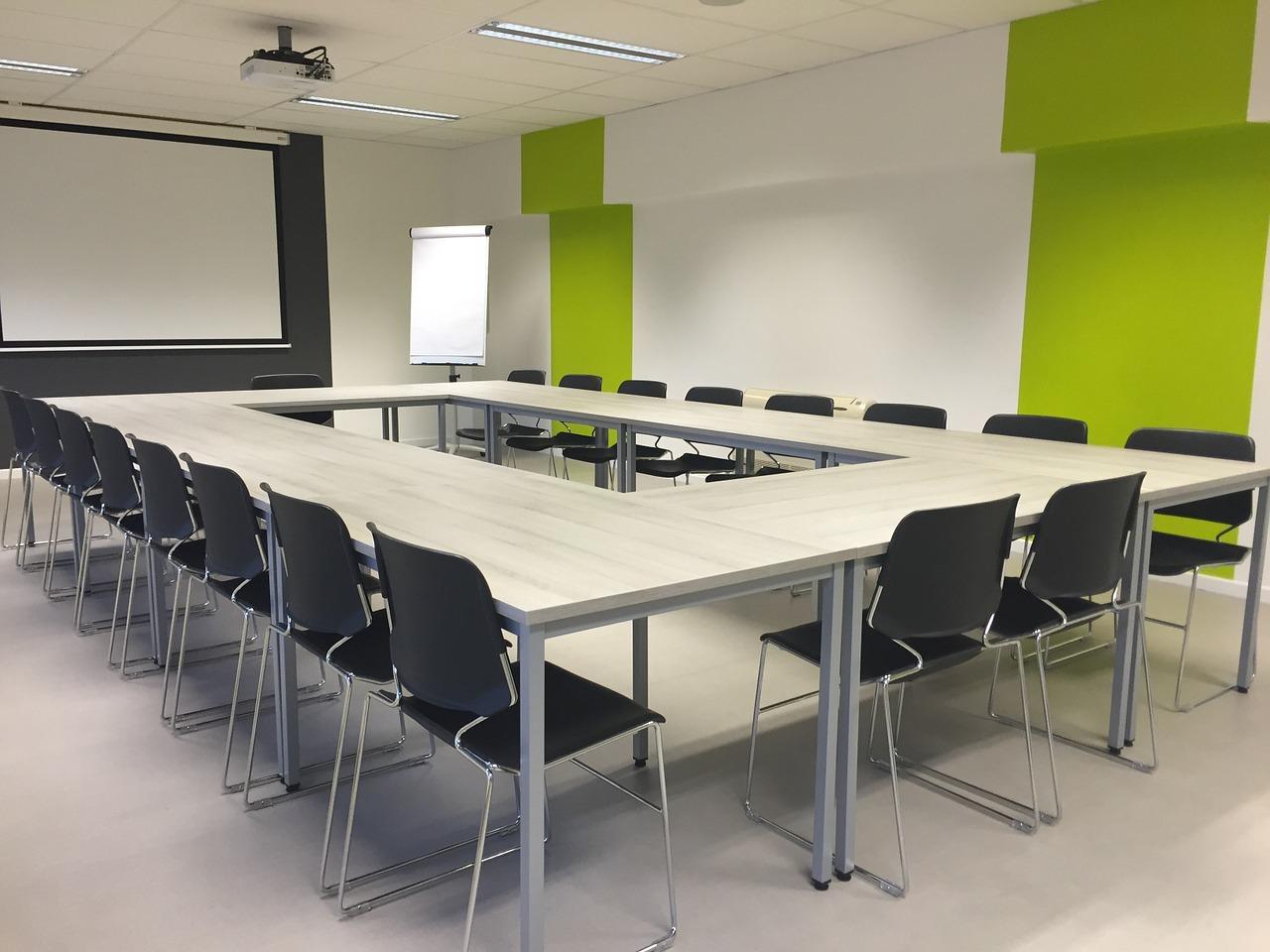 Sala riunioni per corsi di formazione antincendio e Rspp - Ivan serravalle - Gssi srl nichelino Vinovo